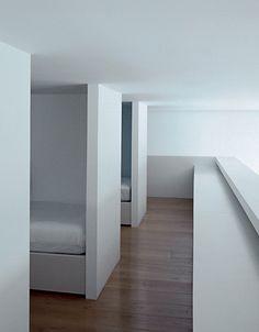 minimalist interior by JOHN PAWSON architects.Children's bedrooms, Faggionato Apartment, London 1999. PLAIN SPACE book from Phaidon.