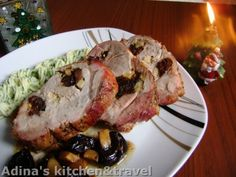 Ceafa la cuptor cu prune uscate Mother Knows Best, Gordon Ramsay, Pinterest Recipes, Cooking Recipes, Meat, Chicken, Christmas, Ham, Xmas