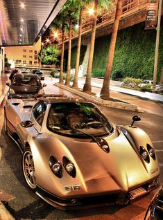 Pagani Zonda - Pagani is an Italian super sports car manufacturer. The company was founded in 1992 by Horacio Pagani, and is based in San Cesario sul Panaro near Modena, Italy.