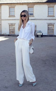 Fashionable White Wide Pants For Women: Zara Wide Leg Pants Equipment White Shirt Have a look at the website for 5 excellent looks with white outfit Perfect Fall Outfit, All White Outfit, How To Have Style, My Style, Looks Total White, Total Black, Look Fashion, Womens Fashion, Fashion Clothes