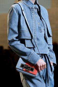 A detail of the Fendi Spring/Summer 2015 Collection - Look 25