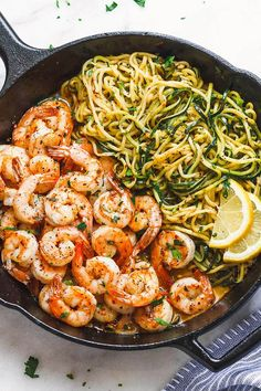 Lemon Garlic Butter Shrimp with Zucchini Noodles - This fantastic meal cooks in one skillet in just 10 minutes. and - by Lemon Garlic Butter Shrimp with Zucchini Noodles - This fantastic meal cooks in one skillet in just 10 minutes. Healthy Meal Prep, Healthy Eating, Healthy Lunch Ideas, Healthy Dinner For One, Clean Eating Recipes For Weight Loss, Healthy Family Meals, Low Carb Recipes, Cooking Recipes, Carb Free Meals