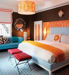 Сочетание синего и оранжевого цветов в интерьере - could go a completely different direction