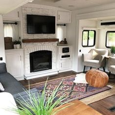 Camper Makeover Discover Urban Farmhouse Style in RVs Trailers and Campers - RV Life Military Style Love the Farmhouse look but not sure how to incorporate it into your RV? Check out these photos to help inspire your interior look! Happy Campers, Rv Campers, Camper Trailers, Travel Trailers, Rv Travel, Small Rv Trailers, Bus Motorhome, Rv Bus, Travel Trailer Remodel