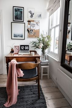 Home Office Decor Mesa Home Office, Home Office Desks, Cute Dorm Rooms, Cool Rooms, Home Office Organization, Office Decor, Cozy Office, Office Ideas, Small Office