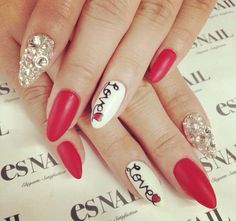 Eye-Catching Stiletto Nail Designs