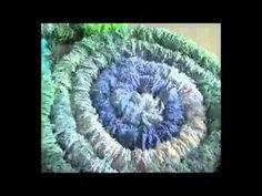 Как сделать коврики из старой одежды? Вытворяшки - YouTube