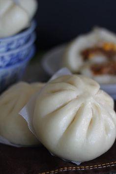 手撕猪肉包 (BBQ Pulled Pork Bun)   Jane's Corner Steamed Pork Buns, Steamed Cake, Steam Buns Recipe, Bun Recipe, Chinese Bun, Chinese Food, Siopao Recipe, Bread Bun, Sugar Free Recipes