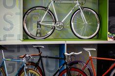 Quella's pop-up shop showcased their single speed custom fixie bikes. #quella #quellabikes #fixie #bike #cycling #bicycle #custombike #pop-up #popupshop