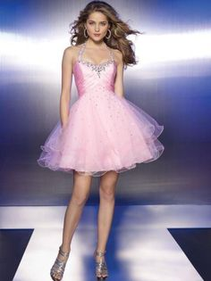 (NO.0248035 )2012 Style A-line Halter  Beading  Sleeveless Short / Mini  Tulle   Cocktail Dresses / Homecoming Dresses