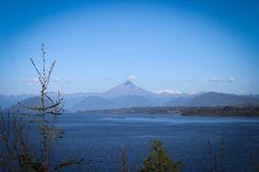 Volcan Puntiagudo desde Mirador, Puerto Varas, Chile.