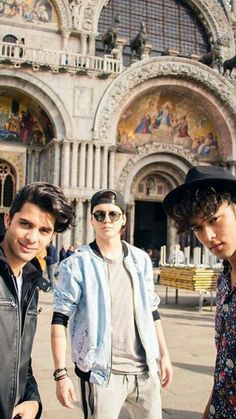 Pretty People, Beautiful People, Memes Cnco, Awe Me, Five Guys, Just Pretend, Latin Music, Friend Pictures, Real Man
