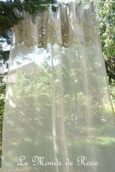 rideau lin naturel dana nouveaute septembre 2011 un superbe grand rideau avec un pan en voile. Black Bedroom Furniture Sets. Home Design Ideas
