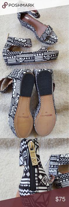NWOT MATIKO Wedges NWOT MATIKO Tribal Print Wedges Cute Back Zipper Size: 8.5 Matiko Shoes Wedges
