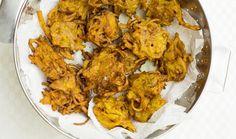 איך להכין באג'י • לביבות בצל הודיות | The Kitchen Coach Tandoori Chicken, Cauliflower, Curry, Appetizers, Vegetables, Healthy, Ethnic Recipes, Kitchen, Food