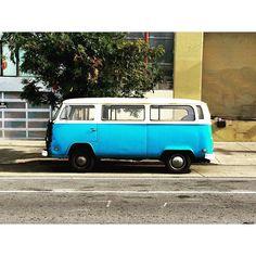 San Francisco Van love .  #goodmorning #vans #bus #camping #vanlife #vanlifediaries #vanliving #roadtrip #cali #californiaadventure #wildbayarea #discovercali @blackfootani by thomson_moore