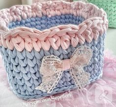 harika penye örgü sepetler, penye ipten sepet modelleri, örgü sepet örnekleri, penye ipten örgü sepet nerden alınır, 10marifet.org'da harika modellerle... Crochet Bowl, Love Crochet, Crochet Yarn, Knit Basket, T Shirt Yarn, Crochet Quilt Pattern, Crochet Patterns, Yarn Bag, Cosas A Crochet