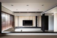 台中125平米利落质感的空间 / 思维空间设计 - 居宅 - 室内设计师网 Tv Console Design, Tv Cabinet Design, Tv Unit Design, Tv Wall Design, House Design, Living Room Shelves, Living Room Tv, Living Room Interior, Hall Interior