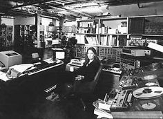 01 Patchwork (9:45) 02 Old Wave (6:51) 03 Pentachrome (7:21) 04 The Expanding Universe (21:40) Total time: 45:36 Laurie Spiegel: programming and live processing Recorded 1979, LP released on Philo ...