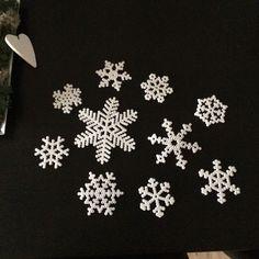 Snowflakes hama perler by pigenbobo