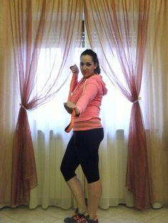 Esercizi per Gambe e glutei perfetti in sei settimane #angieclausblog #fasciaelastica #elasticbend #workout #pink #hm @hm #training #fitness #allenamento #fasciaelastica  http://angieclausblog.com/2014/10/22/fasce-elastiche-gambe-e-glutei-perfetti-in-6-settimane/