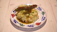 Leidse hutspot met kalfssaucijsjes - recept | 24Kitchen Guacamole, Risotto, Mashed Potatoes, Ethnic Recipes, Food, Diners, Kitchen, Whipped Potatoes, Restaurants