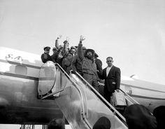 Camilo Cienfuegos, en 1959, al arribar al aeropuerto internacional de Nueva York.