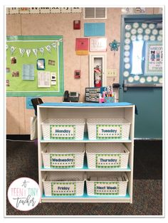 A Teeny Tiny Teacher - Day to day organization tip for primary classroom