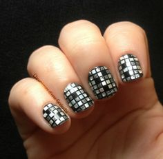 :D looks like a disco ball! but aint nobody got time for that :[ Hair And Nails, My Nails, Party Nails, Manicure At Home, Foil Nails, Disco Ball, Toe Nail Art, Mani Pedi, Classic Beauty