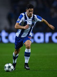 Andre Silva of FC Porto runs with the ball during the UEFA Champions League match between FC Porto and Leicester City FC at Estadio do Dragao on December 7, 2016 in Porto, Porto.