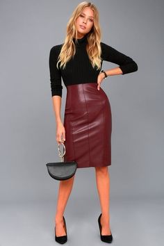 The Pencil Me In Burgundy Vegan Leather Midi Skirt is ready to party! Stretchy vegan leather skirt with a high-waisted fit, midi hem, and kick pleat. Office Outfits Women Casual, Summer Business Casual Outfits, Business Casual Attire, Work Outfits, Business Outfits, Fall Outfits, Pencil Dress Outfit, Pencil Skirt Outfits, Midi Pencil Skirts