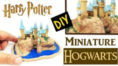 DIY MINIATURE HARRY POTTER CASTLE - Mini Hogwarts craft polymer clay & resin tutorial How to. Learn how to make this Harry Potter inspired Hogwarts Castle environment diy. Chateau Harry Potter, Harry Potter Castle, Harry Potter Diy, Harry Potter Hogwarts, Polymer Clay Miniatures, Polymer Clay Crafts, Polymer Clay Creations, Biscuit, Potters Clay