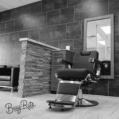 Old school meets new school with the Pibbs 659 Capo Barber Chair.