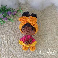 Artes em Crochê: Receitas Grátis Crochet Doll Pattern, Crochet Toys, Knit Crochet, String Crafts, Crochet World, Doll Tutorial, Knitted Dolls, Amigurumi Doll, Crochet Flowers
