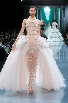 Dior haute couture fall/winter 2008-09 runway ;)