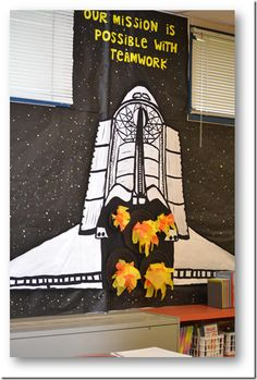 Space shuttle bulletin board re: teamwork Space Theme Classroom, 3rd Grade Classroom, Classroom Design, Classroom Displays, Classroom Decor, Space Bulletin Boards, Classroom Bulletin Boards, Sistema Solar, Class Decoration