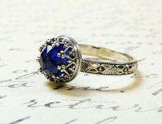 Imagen vía We Heart It https://weheartit.com/entry/167991039 #emerald #gold #jewelry #ruby #bluesapphire #bkgjewelry.com