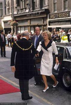 Princess Diana ouvre le  Takashimaya shop, Old Bond Street,