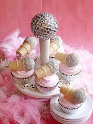 Microphone Cupcakes for a Rock Star Party . Mini cones and cake pops Easy Kids Birthday Cakes, Birthday Cupcakes, Birthday Parties, Birthday Ideas, 8th Birthday, Rock Star Birthday Party, Birthday Decorations, Birthday Desserts, Happy Birthday