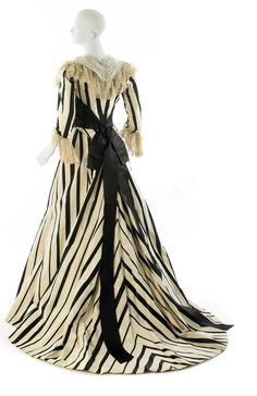 1900 House of Worth Afternoon Dress Cream ribbed silk with black satin stripes, lengths joined to create chevron stripes; white tulle Museum of the. Edwardian Clothing, Antique Clothing, Historical Clothing, Historical Dress, Edwardian Dress, 1900s Fashion, Edwardian Fashion, Vintage Fashion, Belle Epoque