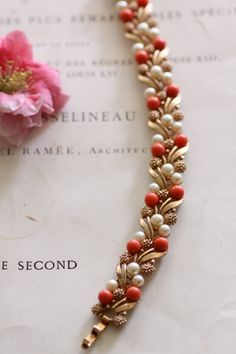 Bead Jewellery, Beaded Jewelry, Coral Jewelry, Gold Jewelry Simple, Simple Bracelets, Gold Bracelets, Pearl Necklace Designs, Gold Bracelet For Women, Gold Bangles Design
