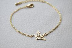Hey, diesen tollen Etsy-Artikel fand ich bei https://www.etsy.com/de/listing/252497337/origami-armband-glucksbringer-armband