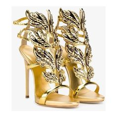 Giuseppe Zanotti 'Cruel' metallic sandals (€1.740) ❤ liked on Polyvore featuring shoes, sandals, metallic, metallic shoes, genuine leather shoes, metallic leather shoes, metallic leather sandals and metallic sandals