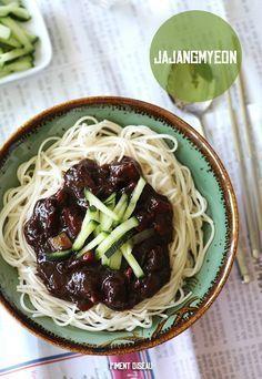 Jajangmyeon, nouilles coréennes à la pâte de haricots noirs - Korean noodles in black bean sauce