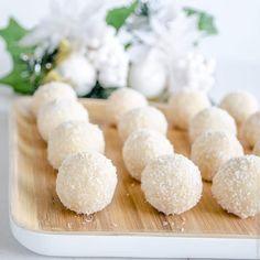 coconut snowballs, easy refined sugar free recipe, an allergy friendly Christmas treat Sugar Free Snacks, Sugar Free Recipes, Cereal Recipes, Dessert Recipes, Coconut Snowballs, Energy Bites, Mini Desserts, Food Processor Recipes, Healthy Recipes