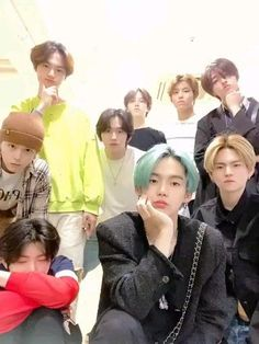 The theory of this video is that they recorded when they know the date of their debut Seventeen The8, Hyun Suk, Group Photos, Yg Entertainment, Boyfriend Material, Yoshi, Boy Groups, Photo And Video, Couple Photos