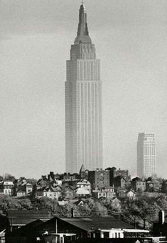 Hard to believe this is the Empire State Building in 1941. Picture taken from Union City, NJ.