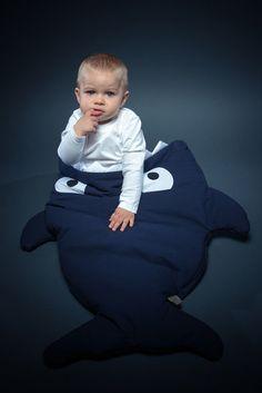 """Slaap- en voetenzak Haai """"Navy Blue""""-Little Moustache"""