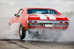 A nice smokey burnout on this '72 Chevelle!