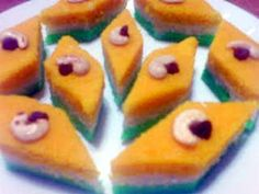 Tiranga Halwa is the special Indian halwa recipe, made with spinach, cucumber and carrot. I have tried to give it a nice and perfect trio-colored combinati Indian Tiranga, Indian Flag, Indian Dessert Recipes, Sweets Recipes, Independence Day Special, Sauteed Carrots, Cardamom Powder, Dried Fruit, Sugar Free